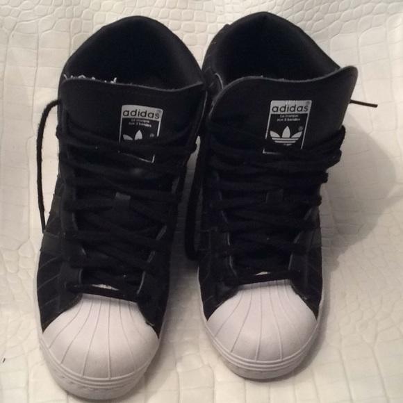06e61e12f7 Adidas high top sneakers